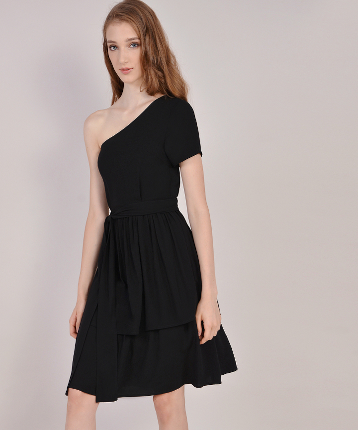 Isla Toga Tiered Midi Dress - Black