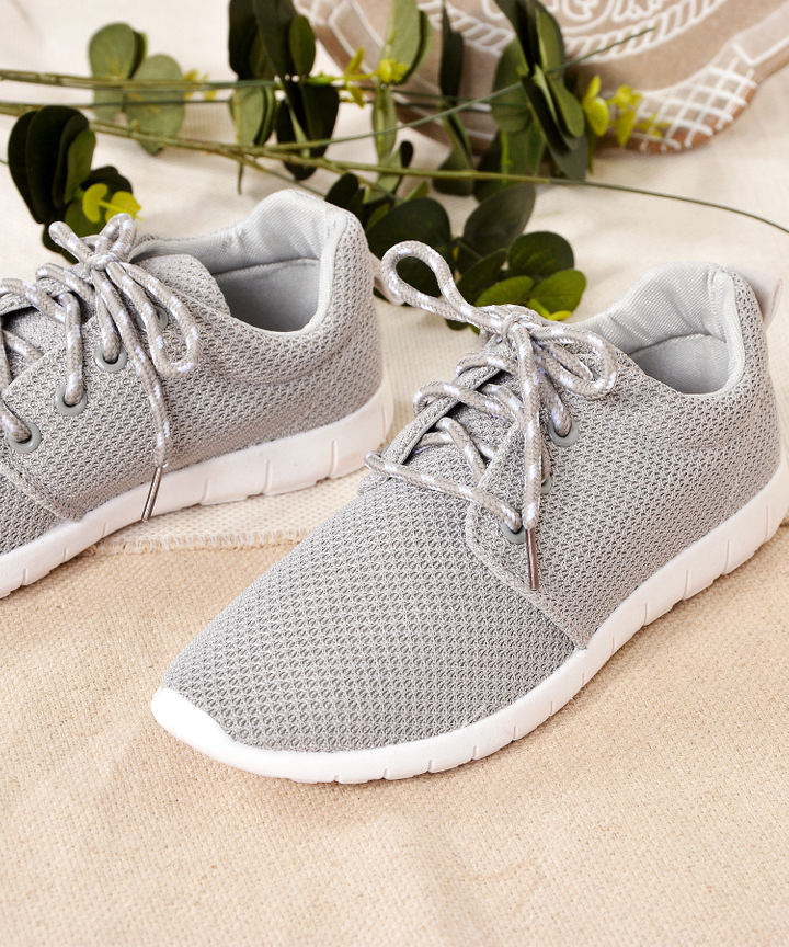 Noel Track Shoes