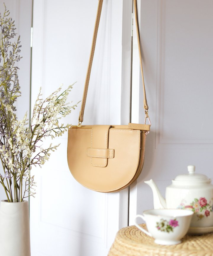 Crescent Half Moon Bag - Tan