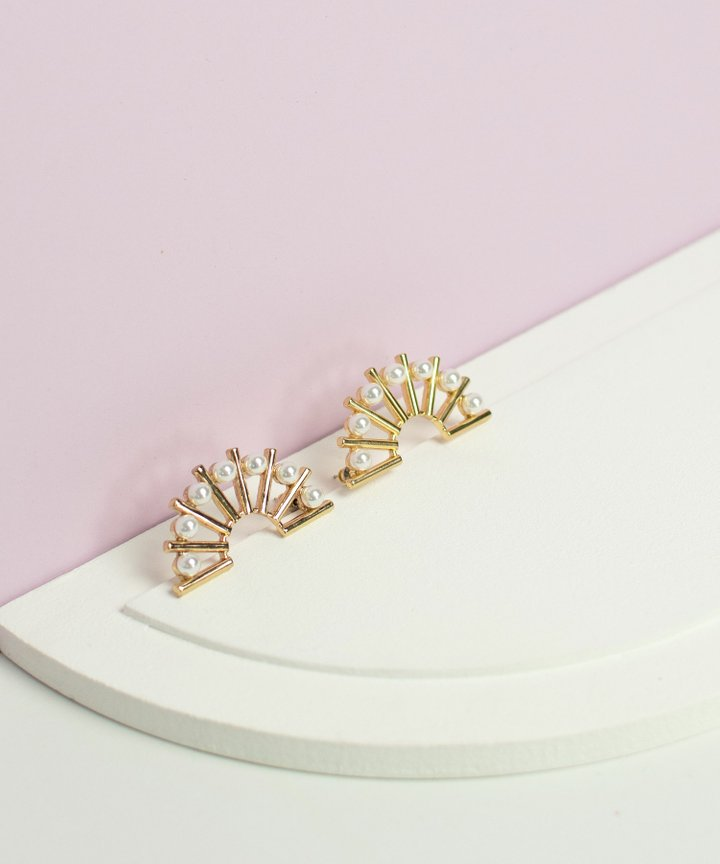 Noémie Semi Circle Pearl Earrings