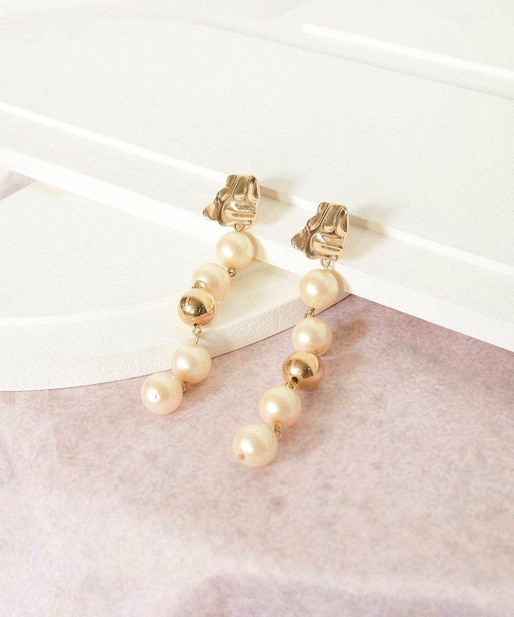 Vios Pearl Drop Earrings