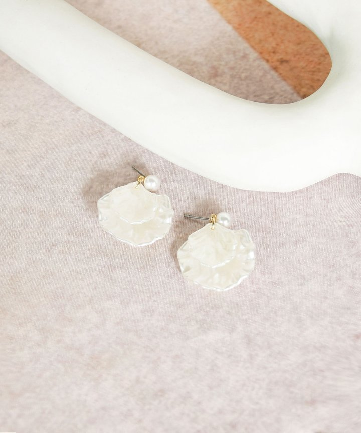 Vanille Seashell Earrings