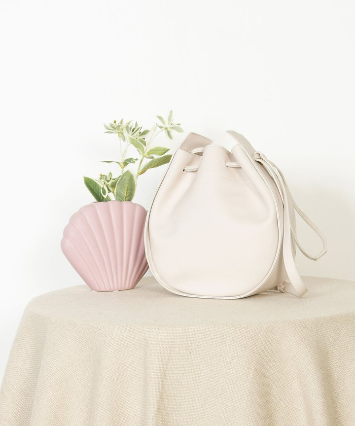 Sixtine Circle Bucket Bag - White
