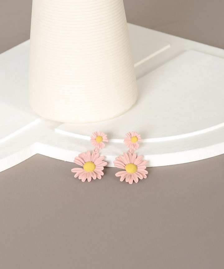 Elfin Daisy Earrings - Pink (Backorder)