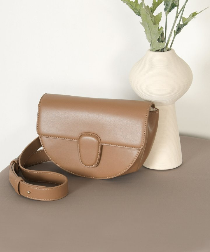 Gallant Vegan Leather Bag - Tan