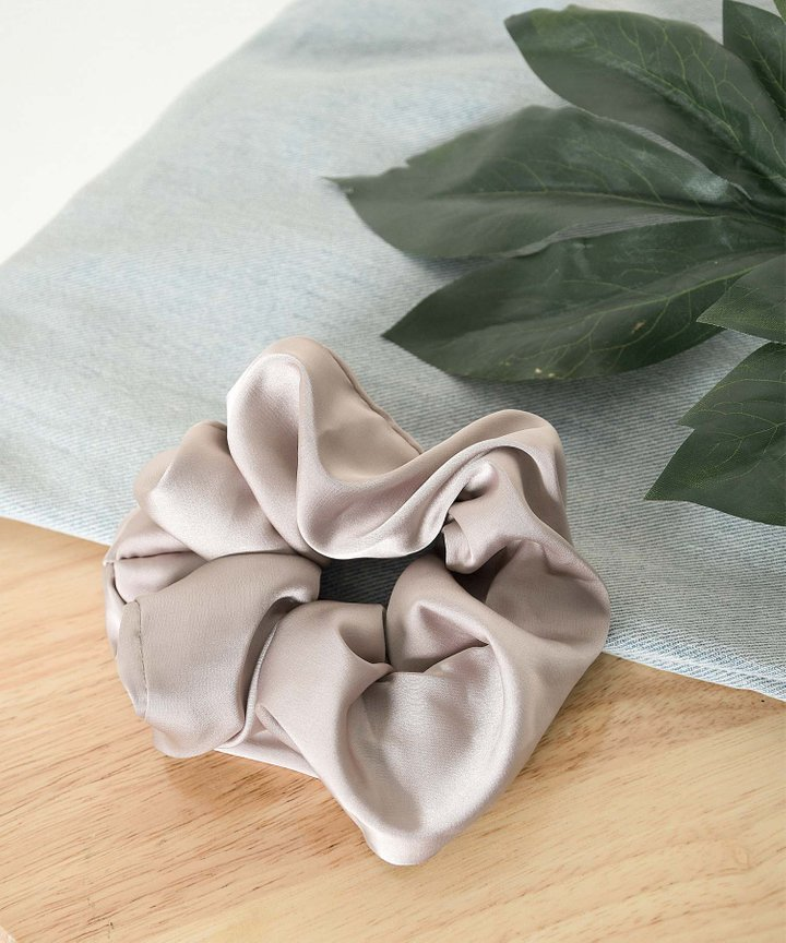 Aura Satin Scrunchie - Pale Mauve