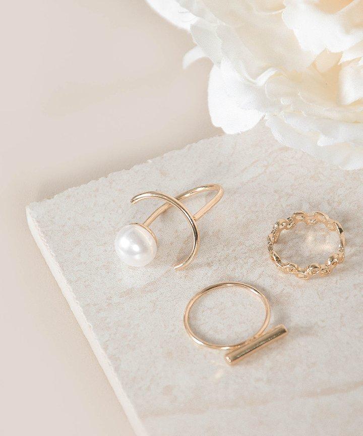 Onism Pearl Rings Set