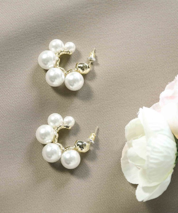 Solana Pearl Hoop Earrings